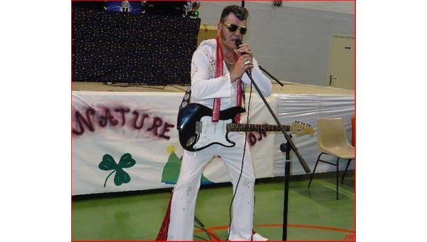 Un sosie d'Elvis pour votre soirée privée ?
